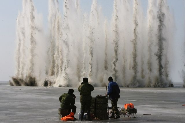 ВЮгре начинают взрывать лед