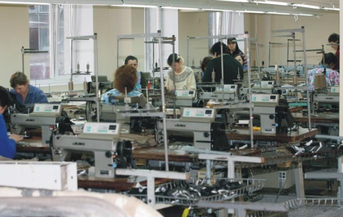 Наталья Комарова иВладимир Богданов обсудили индустриальные исоциальные программы Сургутнефтегаза