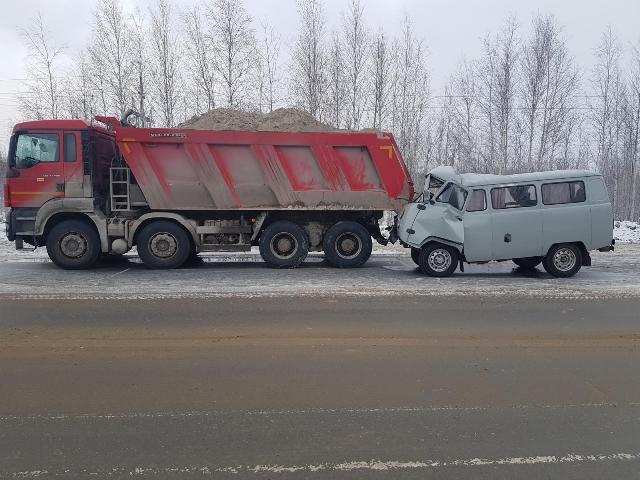 Молодой шофёр устроил ДТП спятью пострадавшими натрассе Нижневартовск— Радужный